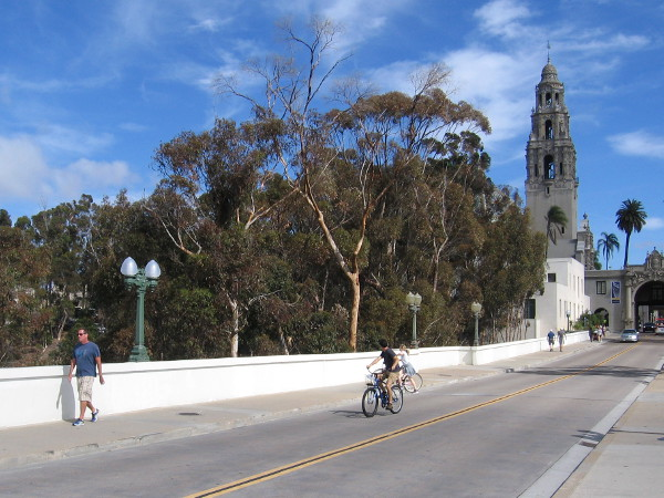 Photo shows both new and old light poles on the Cabrillo Bridge. The new poles werre painted to match their color during the 1935 California Pacific International Exposition.